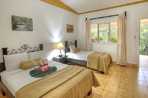 Hacienda-guachipelin-standard-room