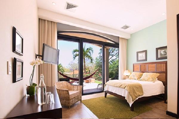 Villa-buena-onda-pool-view